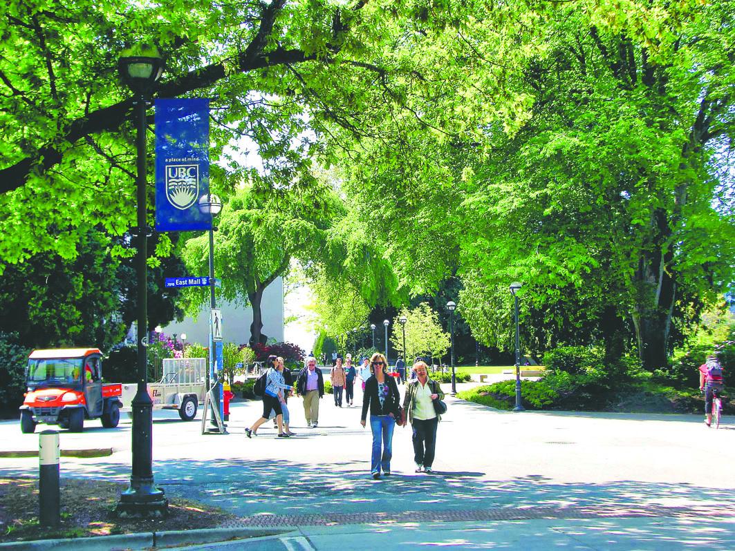 许多海外学生到加拿大留学。资料图片