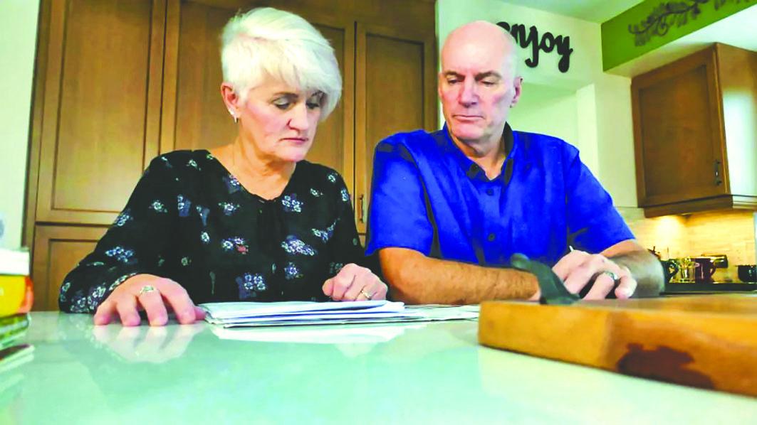 怀特夫妇遇上起亚汽车不负责回收的麻烦事。CBC