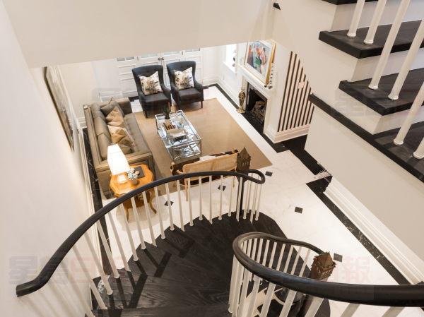 12+MacPherson+Avenue+TH+1+staircase 3
